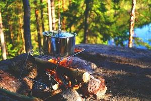 Kitchen Supplies Necessary for Camping