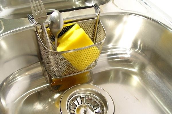 7 Natural Solutions to Remove Sink Smell