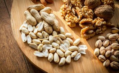 Types of Nuts and Their Benefits,