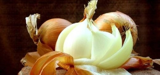 Tips to keep fruits and vegetables from turning brown after cutting