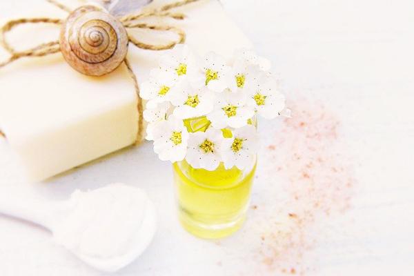 8 Miraculous Benefits of Vitamin E Oil