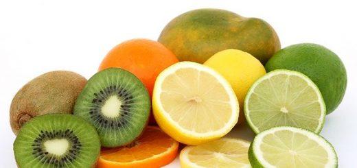 12 Super Fruits Highest in Vitamin C