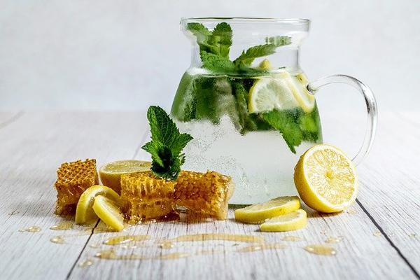 Benefits of Drinking Honey