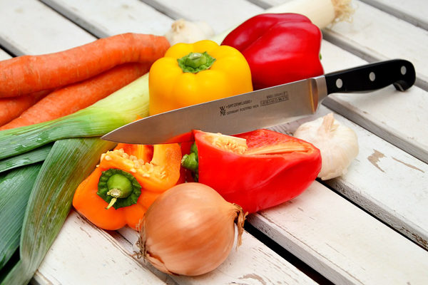 How to Sharpen a Knife Sharper Knives in 6 Easy Ways at Home!